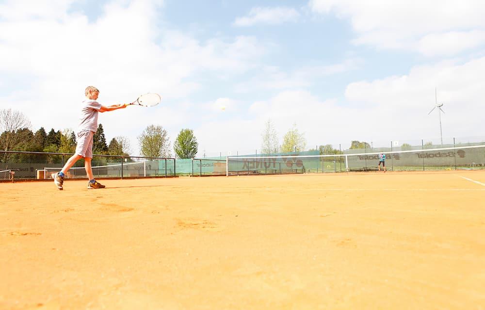 01_Kachel_Tennis
